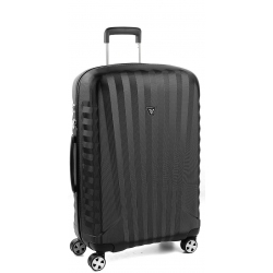 "28"" Spinner Luggage Black/Black"