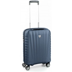 "22"" International Carry-on Spinner Silver"