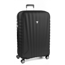 "32"" Spinner Luggage Black"