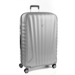 "32"" Spinner Luggage Silver"