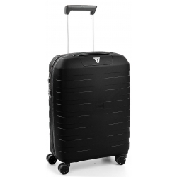 "22"" Internation Carry-On Spinner Black"